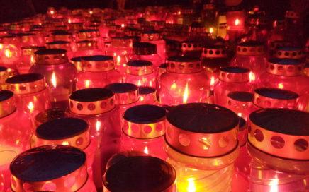 svečke na pokopališču